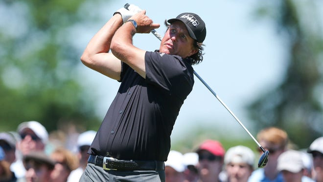 Phil Mickelson hit 13 of 14 fairways on Thursday.