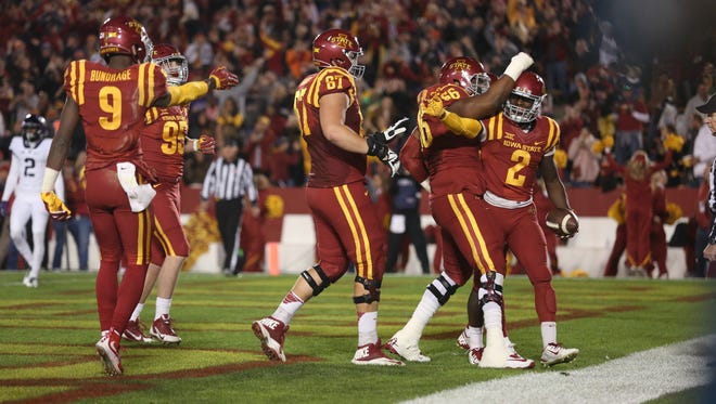 Mike Warren and the Iowa State offense started strong early, but scored no points after the first quarter.