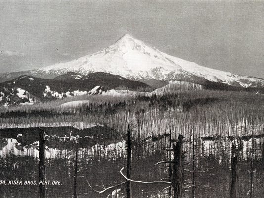 1963.001.0021.0006.04.01 - 1904 Mt. Hood - Renska Swart collection