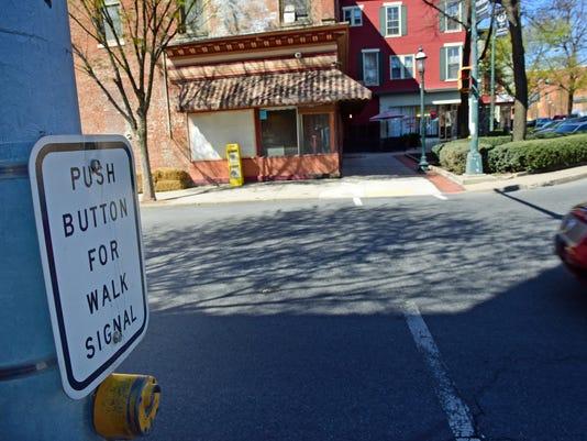 CPO-MWD-041316-pedestrian signal