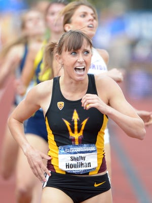 ASU's Shelby Houlihan won the Pac-12 women's cross country title Friday, adding it to her NCAA Outdoor 1,500-meter crown