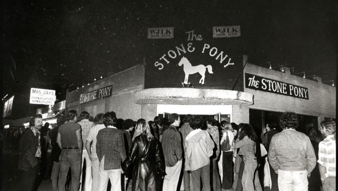 The crowd outside the Stone Pony, Asbury Park, for the Southside Johnny and the Asbury Jukes album release show, May 30, 1976.