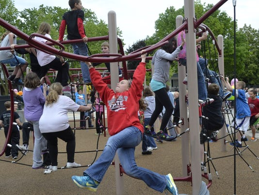 -DPJ 0613 Foxview playground article photo 1.jpg_20130611.jpg