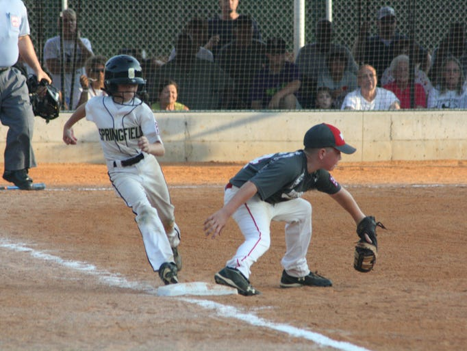 Springfield defeated White House 9-2 Tuesday night.