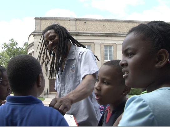 Wendell Watkings With Boggs Students on Route_02[4]