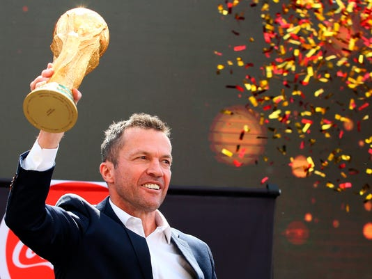Russia_WCup_Trophy_83732.jpg