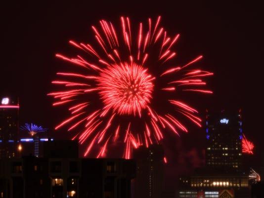 636341219833980024-2017-0626-rb-me-fireworks108.jpg