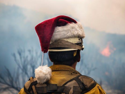 636494809814531817-thomas-fire-santa-hat.jpeg