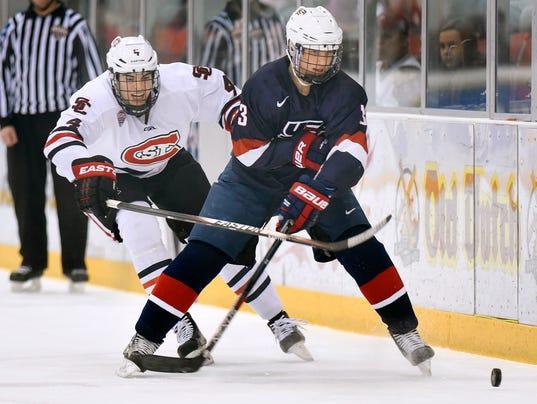 635874440328449068-SCSU-vs-USA-Hockey-1.jpg