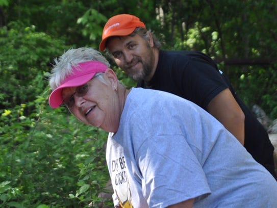 VHSF members cheerfully dig in at Sharp's Ridge Veterans