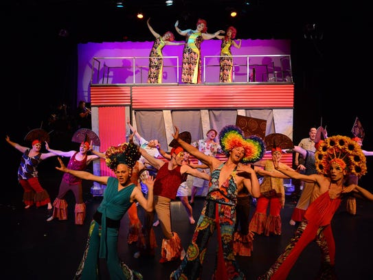 "The cast of ""Priscilla, Queen of the Desert"" rock out"
