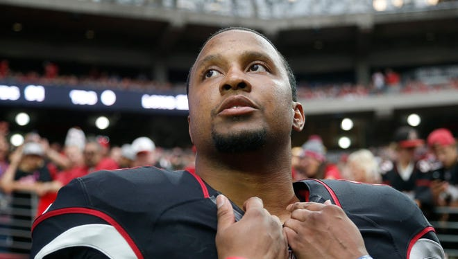 Cardinals safety Rashad Johnson waits to be introduced before playing against the St. Louis Rams at University of Phoenix Stadium in Glendale October 4, 2015.