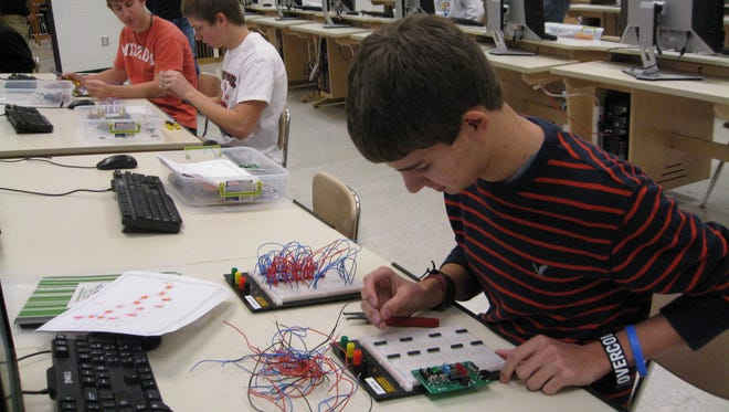 Project Lead The Way Engineering program empowers students to step into the role of an engineer, adopt a problem-solving mindset and make the leap from dreamers to doers.