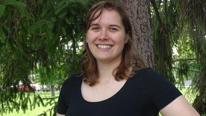 Fremont resident Melanie Ellis heads to China to teach pre-school students for 11 months.