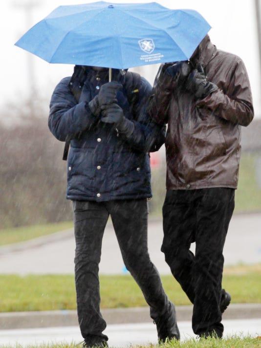636542963860152345-rain.jpg