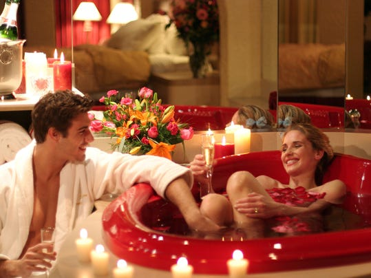 XXX POCONOS_hi_Couple2_Cove_Haven_Resorts