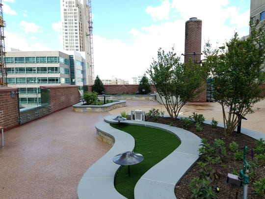 Magee Rehabilitation Hospital Therapy Center and Healing Gardens in Philadelphia was one of 47 grant applicants recognized in 2017 by the National Gardening Bureau. The hospital is a nationally ranked medical rehabilitation hospital specializing in Spinal Cord Injury and Traumatic Brain Injury.