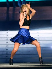 Recording artist Taylor Swift performs onstage during Rock in Rio USA at the MGM Resorts Festival Grounds on May 15, 2015 in Las Vegas, Nevada.