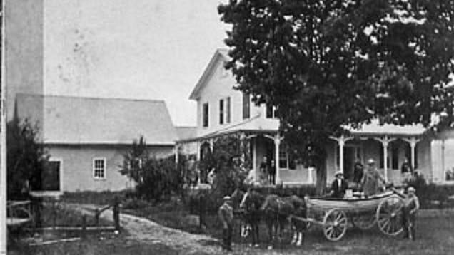 A cropped version of a stereoscope of the Noyes House Museum before 1875.