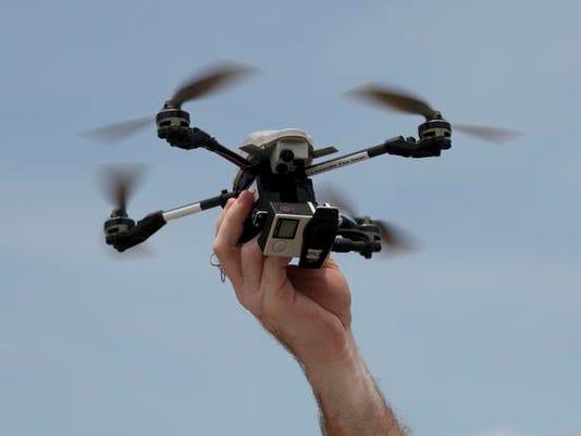 635729994905943826-Drone04-SAM
