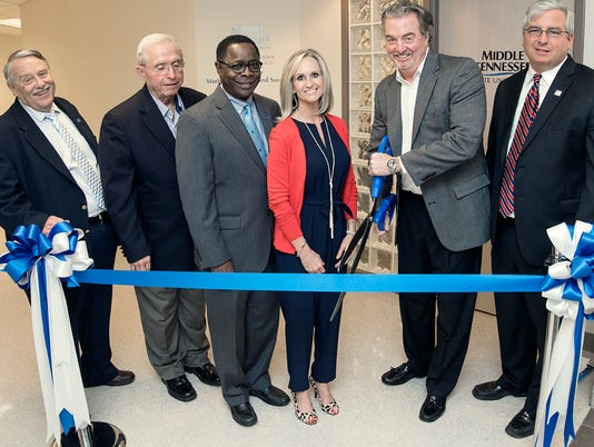 636232898435721098-MTSU-CSCS-opening-ribbon-cutting.jpg