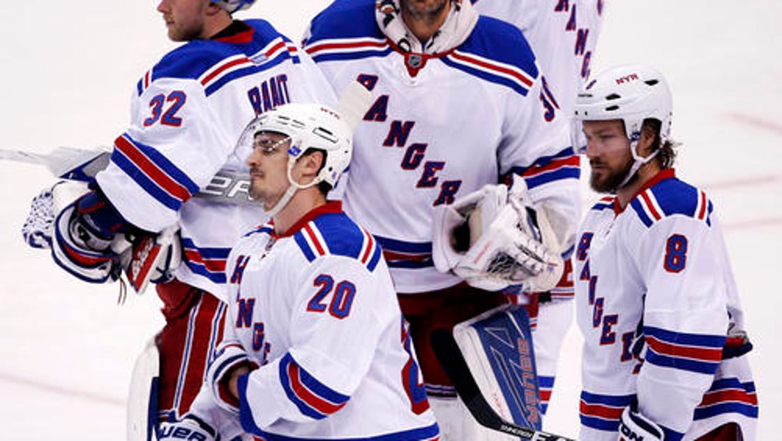 635972869491504787-rangers-after-game