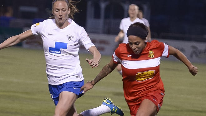 Sydney Leroux, right, played in just one home match and three overall for the Flash in 2015. As far as star players on WNY, she's it.