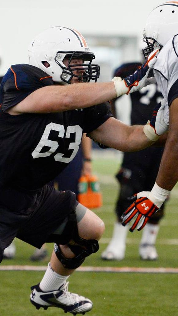 Alex Kozan returns to the 2016 season as Auburn's starting left guard.