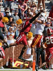 Iowa State wide receiver Allen Lazard (5) catches the