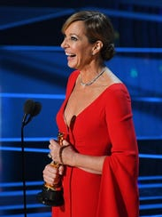 Allison Janney accepts the best supporting actress