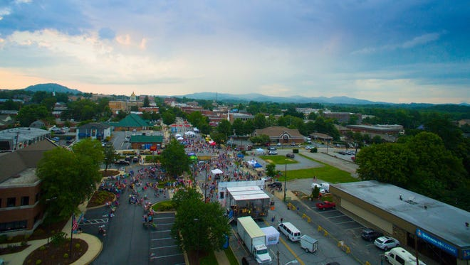 An aerial shot of downtown Hendersonville during the Rhythm & Brews concert series.