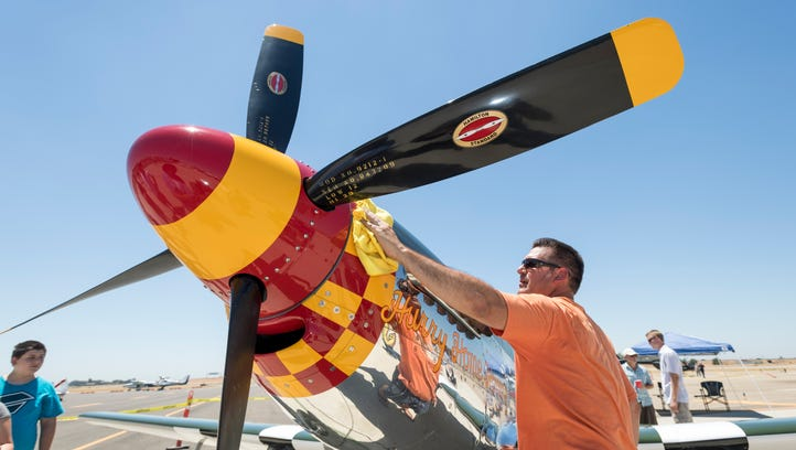 91-year-old says flying is like riding a bike during Visalia airport event