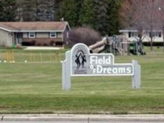 635810449625857968-Field-of-Dreams
