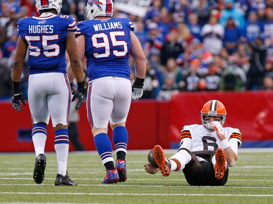 Cleveland Browns quarterback Brian Hoyer (6) lays on
