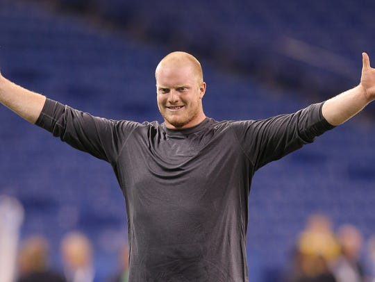 Indianapolis Colts Jack Mewhort stretches out before
