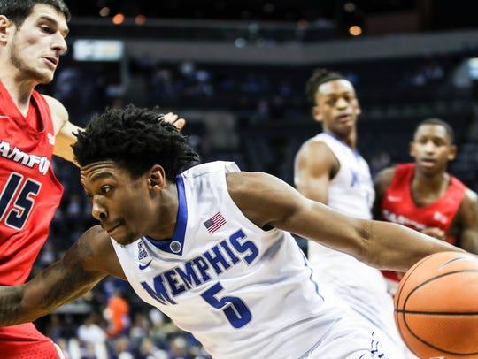 December 05, 2017 - Memphis' Kareem Brewton Jr. cuts