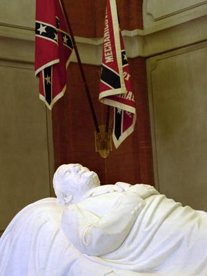 A statue of Robert E. Lee in repose is a focal point of the Lee Chapel at Washington & Lee University in Lexington.   File/AP A statue of Gen. Robert E. Lee is located on the main floor of the Lee Chapel at Washington and Lee University in Lexington, Va., in this Jan. 28, 2000, file photo.