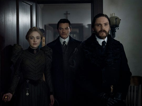 Dakota Fanning, Luke Evans and Daniel Bruhl on 'The