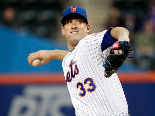 New York Mets' Matt Harvey (33) delivers a pitch during the first inning of a baseball game against the Milwaukee Brewers, Saturday, April 14, 2018, in New York. (AP Photo/Frank Franklin II)