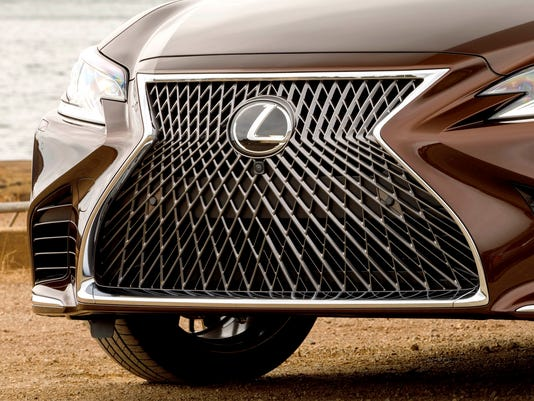 636589902231900151-2918-Lexus-LS-500-06.JPG