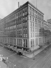 Pogue's department store was a fixture at Fourth and Race streets.