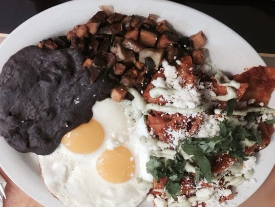 635784401456138024-chilaquiles