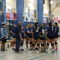 Royals remain undefeated in girls volleyball