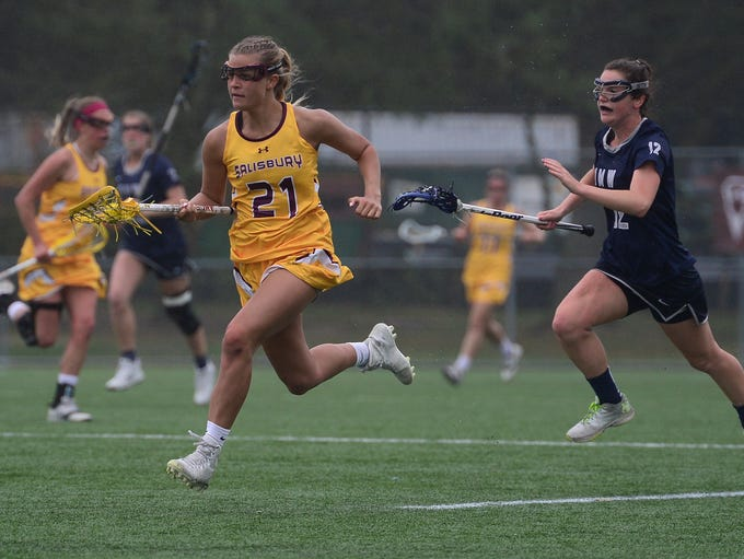 Seagull's Emma Wall on the attack against Mary Washington