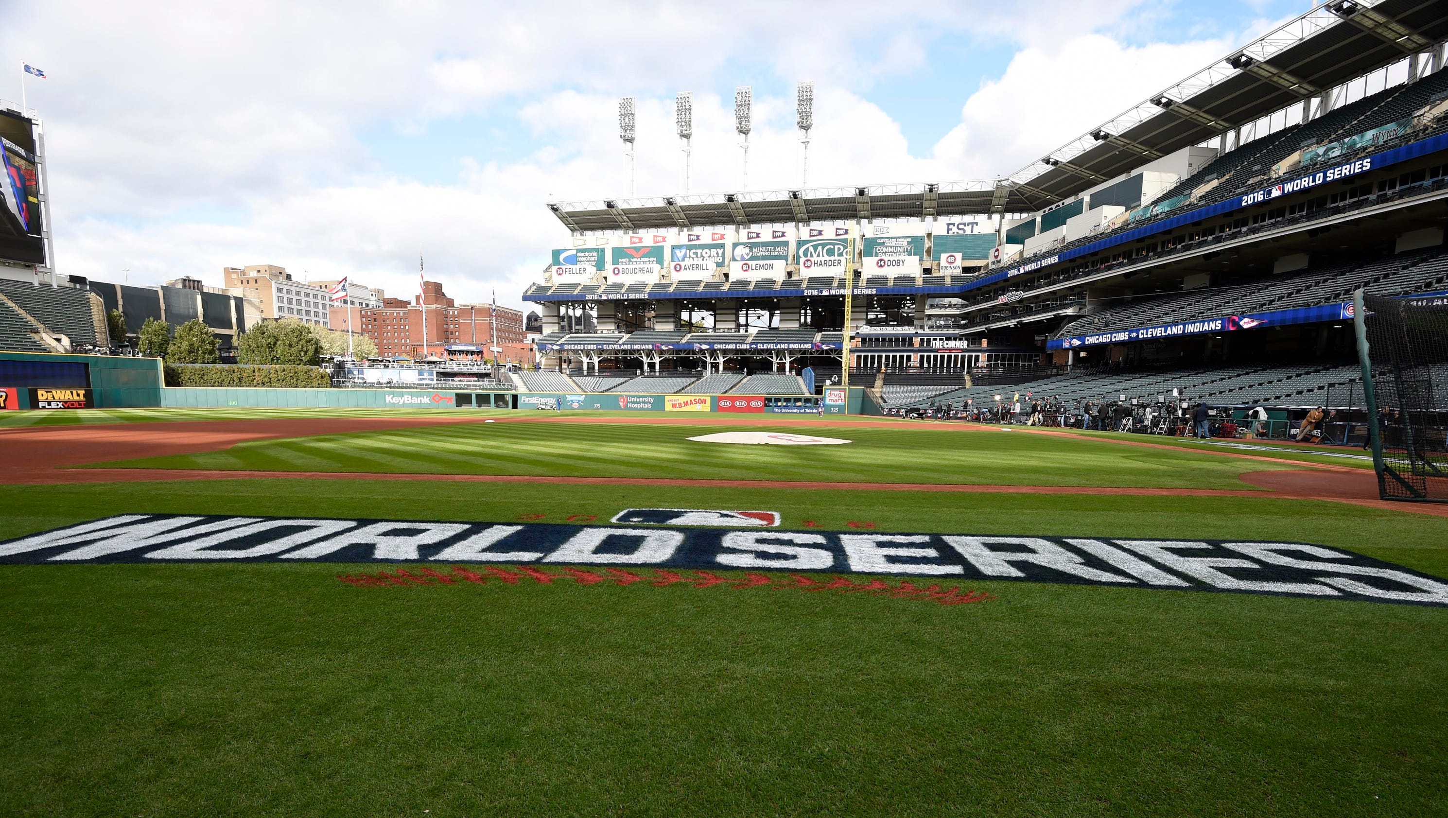 636130309308921477-usp-mlb-world-series-chicago-cubs-at-cleveland-in-86241248