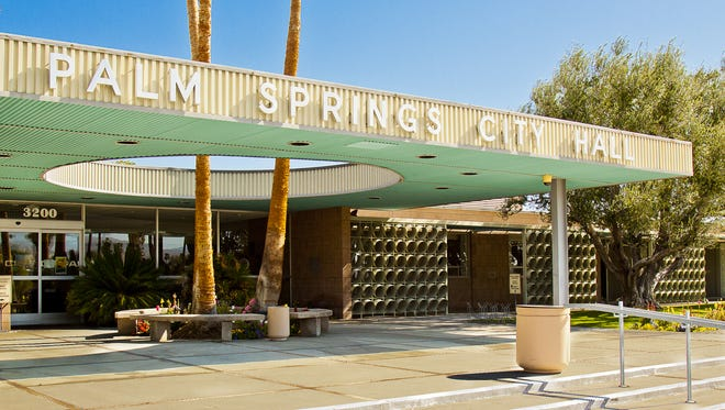 The main entrance of Palm Springs City Hall.