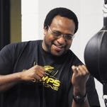 Former heavyweight champ Lamon Brewster returns to Indy to inspire boxers: 'Sure you can make it. I had nothing but Long's Bakery and White Castle.'