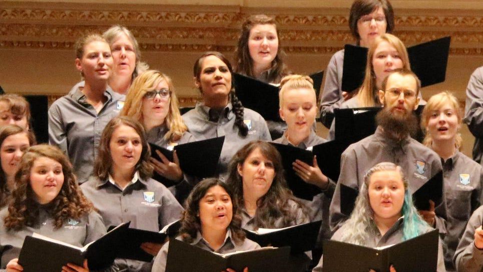 4 Choir Closeup