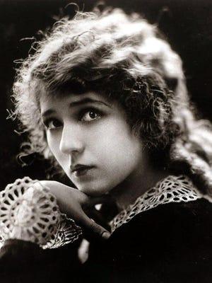 Twenty-six-year- old Mary Pickford in 1918.