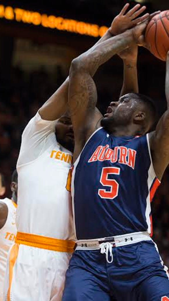 Auburn forward Cinmeon Bowers had nine points and 15